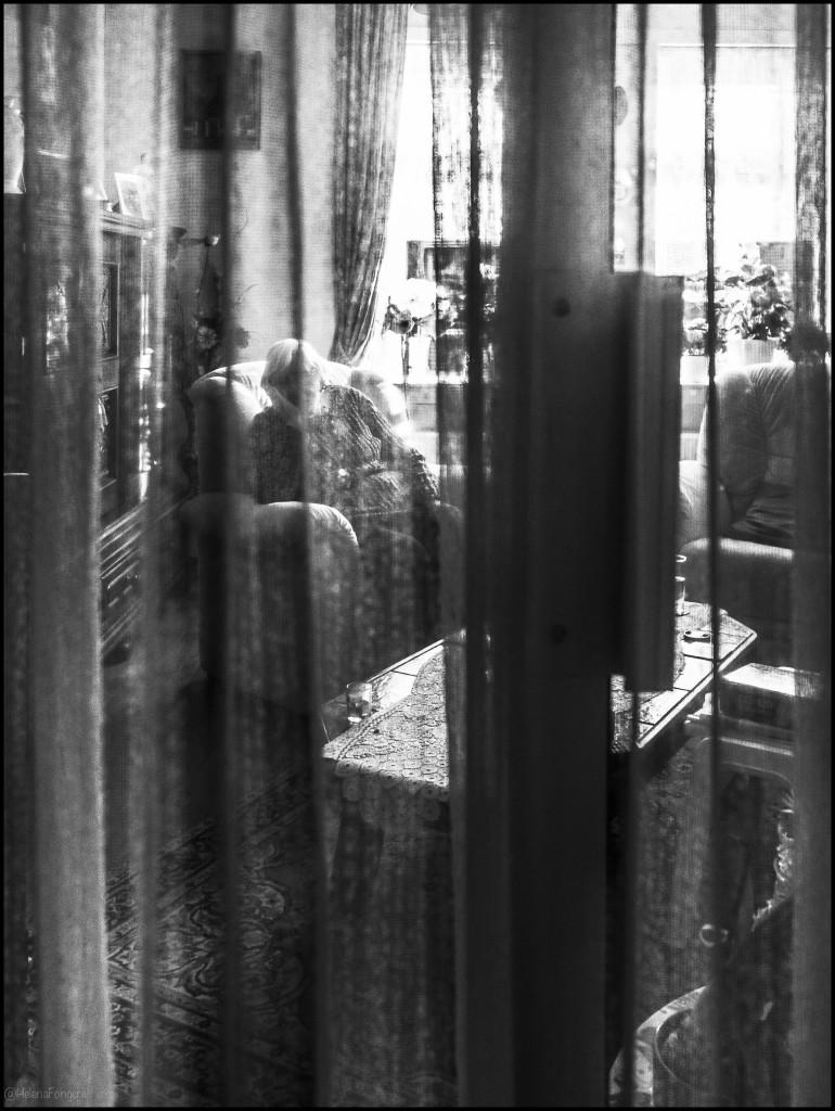 strochusstr18_71b x 97h_Toos door vitrage heen-1