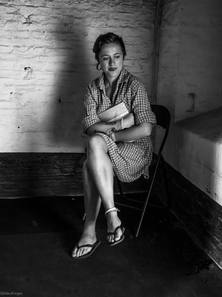 vrouw in bunker-1